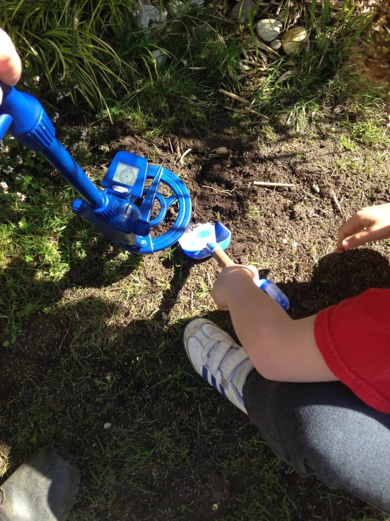 Discovery Channel Digital Metal Detector Review