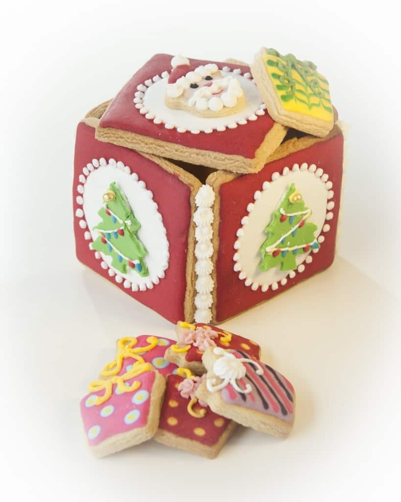 Xmas-Tree-and-Parcels-Cookie-biscuit-gift-Box-819x1024