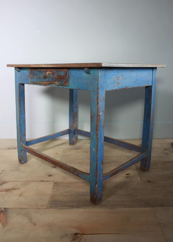 blu table