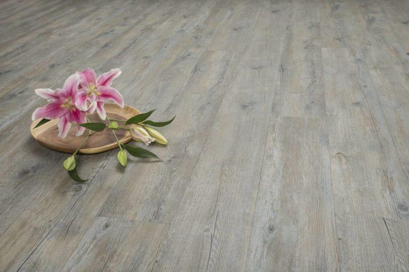 click vinyl plank flooring