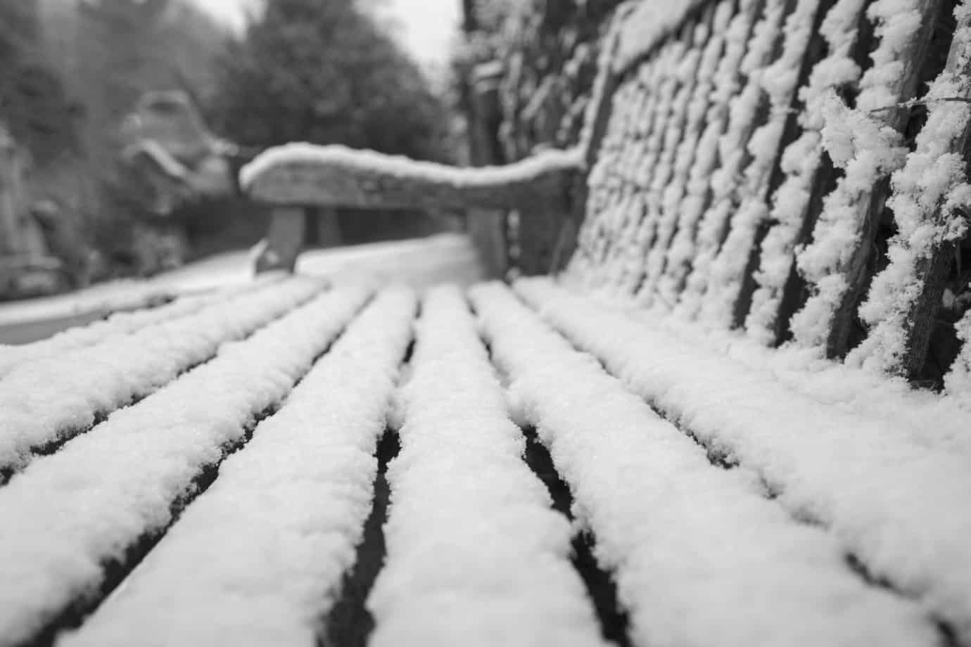 How to Protect Your Garden Bench in the Winter Months